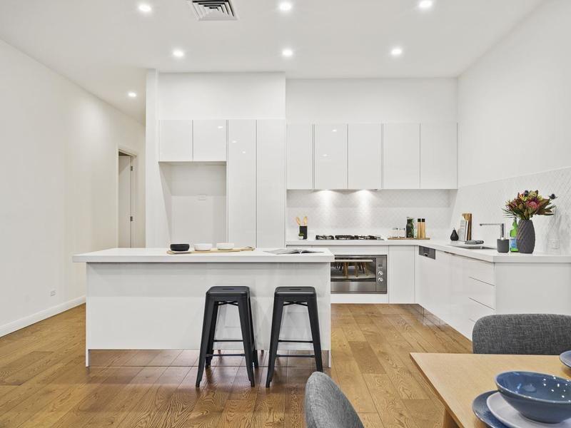 606 Olive Street, Albury NSW 2640, Image 2