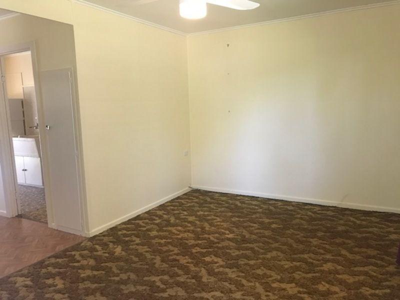 1/2 Canaga Street, Chinchilla QLD 4413, Image 2