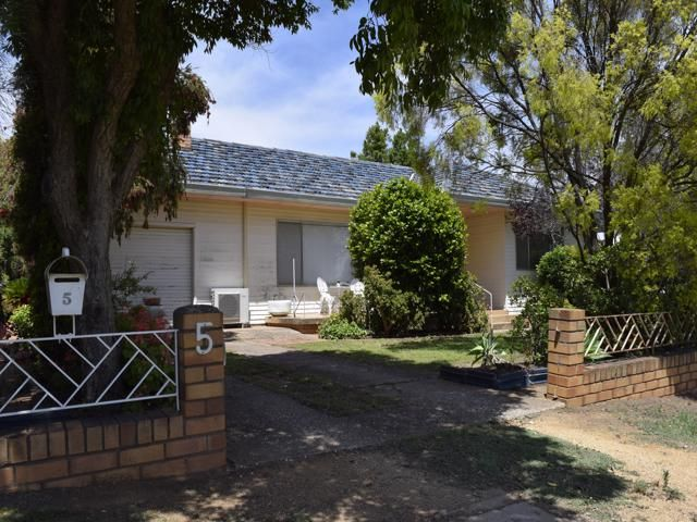 5 DAGMAR STREET, Grenfell NSW 2810, Image 1
