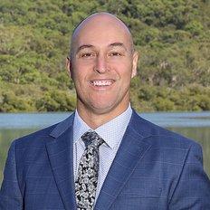 Nigel McAllister, Sales representative