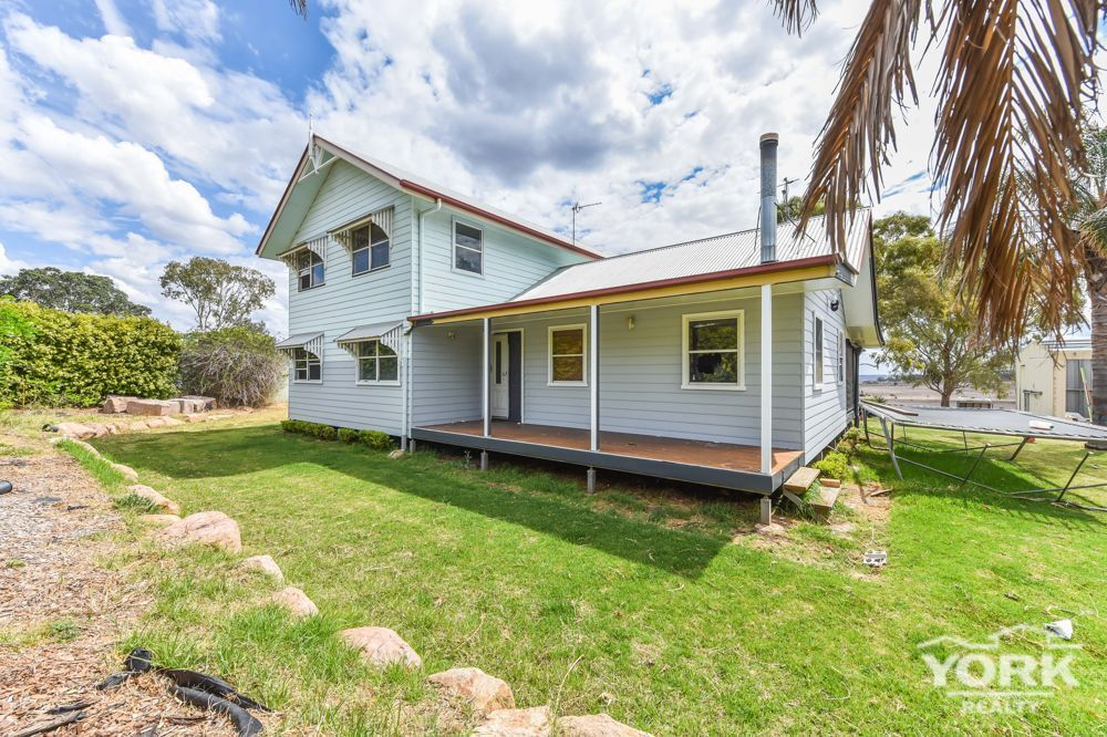 11 Jannusch Road, Gowrie Mountain QLD 4350, Image 0