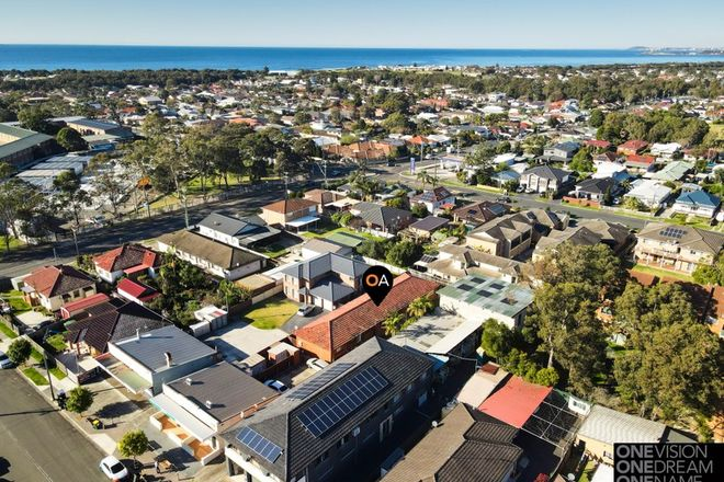 Picture of 2/3 Railway Street, EAST CORRIMAL NSW 2518