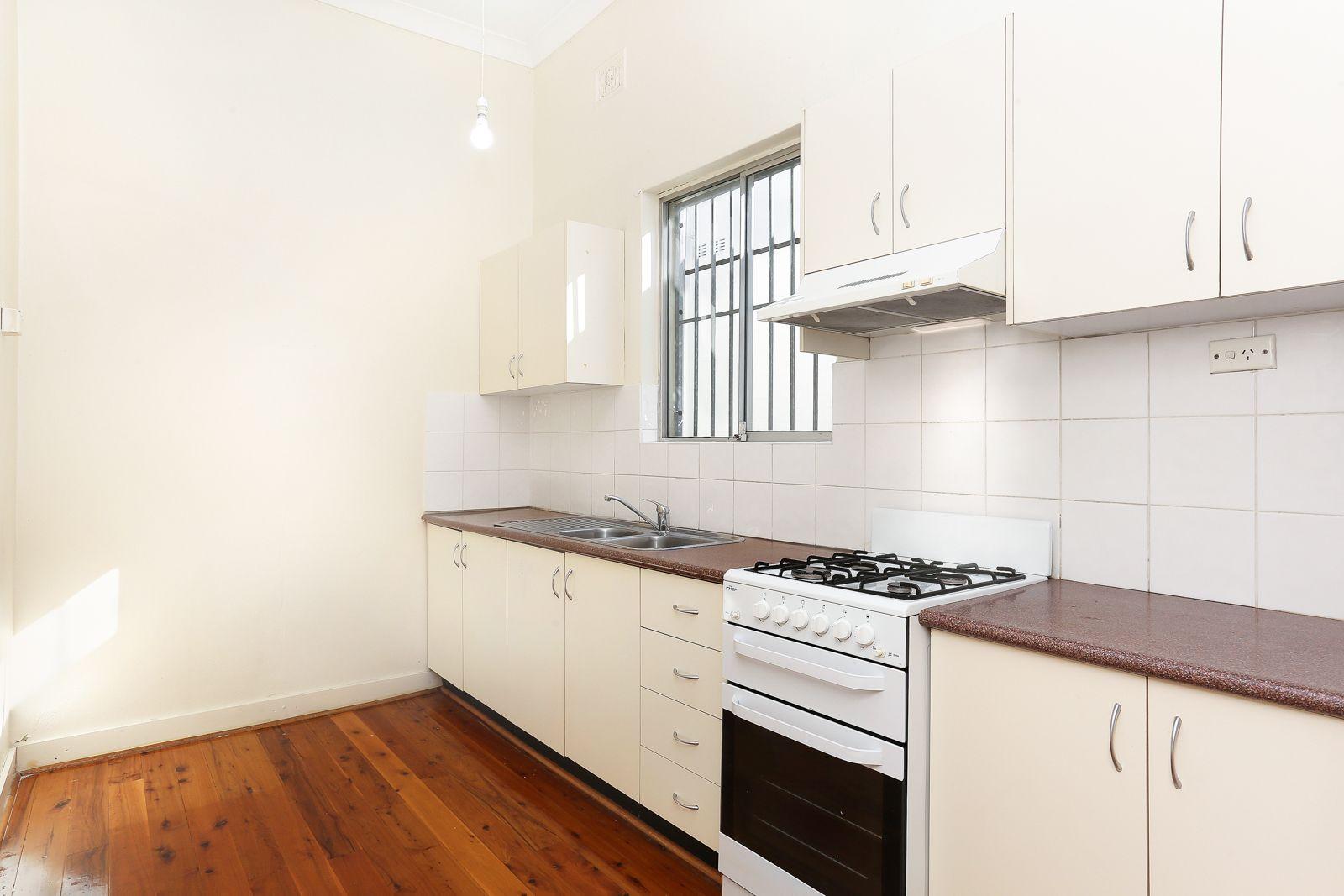 2/18 Elsmere Street, Kensington NSW 2033, Image 1