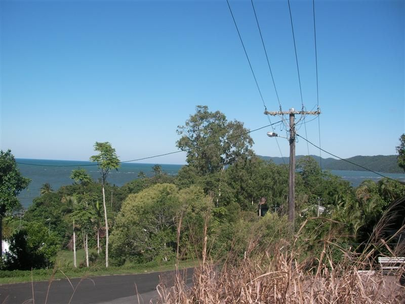 13 Maria Street, Flying Fish Point QLD 4860, Image 2