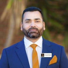 Harpreet Mangat, Sales representative