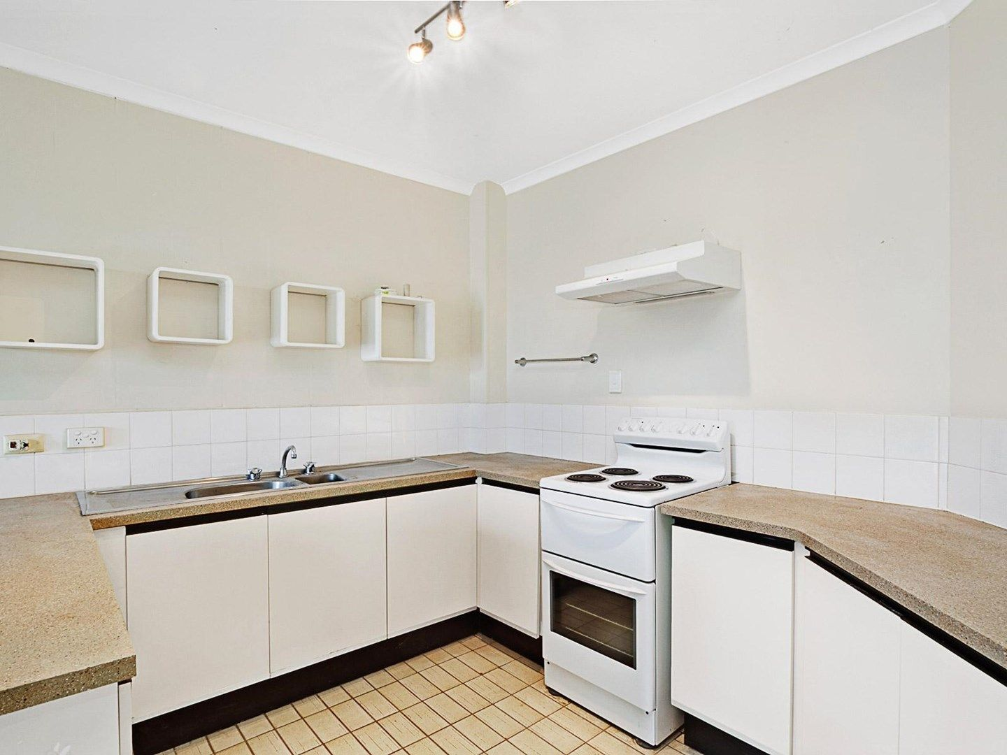 50/16 Old Common Road, Belgian Gardens QLD 4810, Image 1