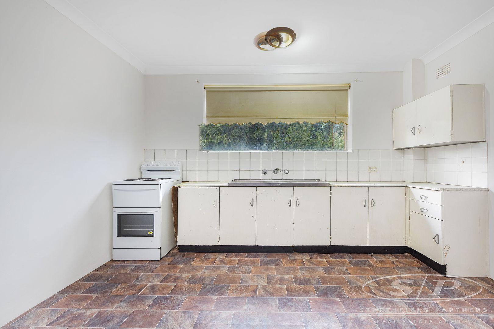 4/11 Drummond Street, Warwick Farm NSW 2170, Image 0