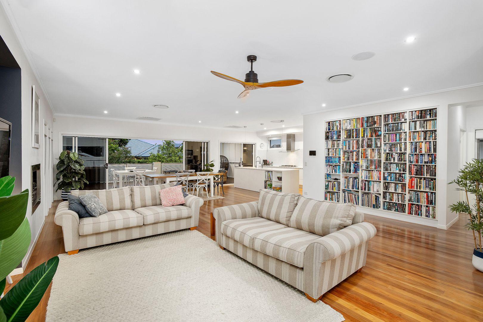 12 Bisley Place, Wakerley QLD 4154, Image 1