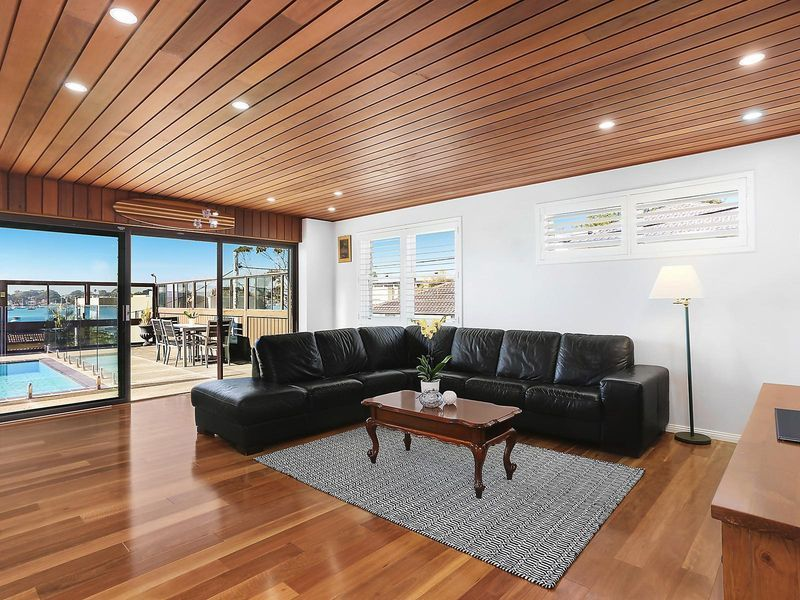 20 Beach Street, Blakehurst NSW 2221, Image 2