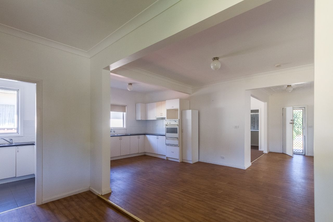 30 East Street, Grenfell NSW 2810, Image 1
