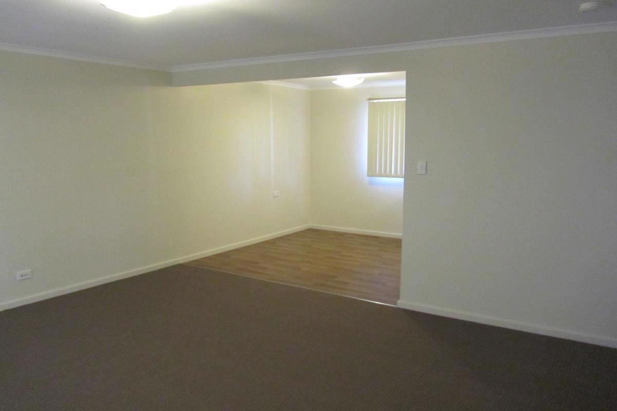 3 Isaacs Close, Watanobbi NSW 2259, Image 2