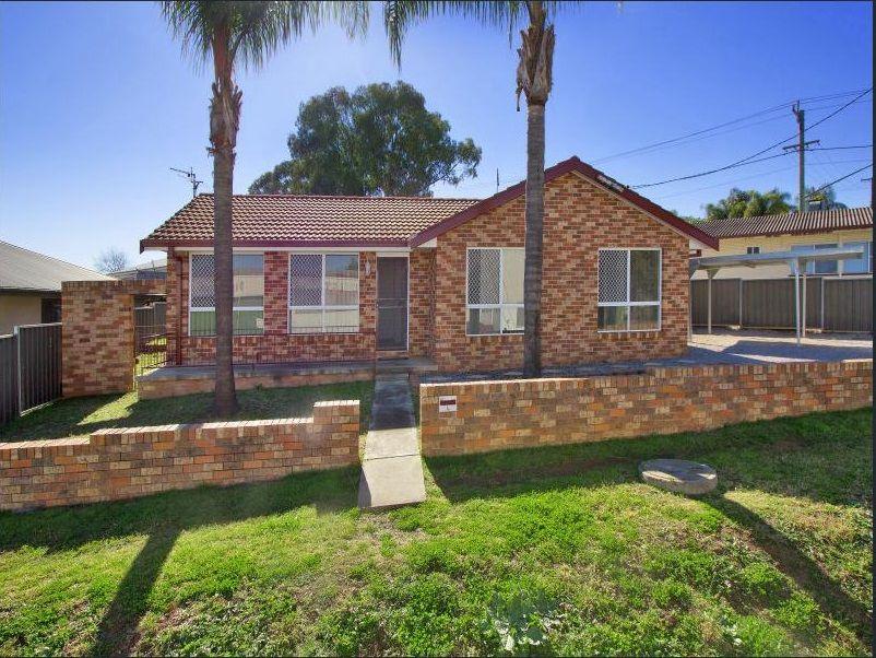 4 Curlew Crescent, Tamworth NSW 2340, Image 0