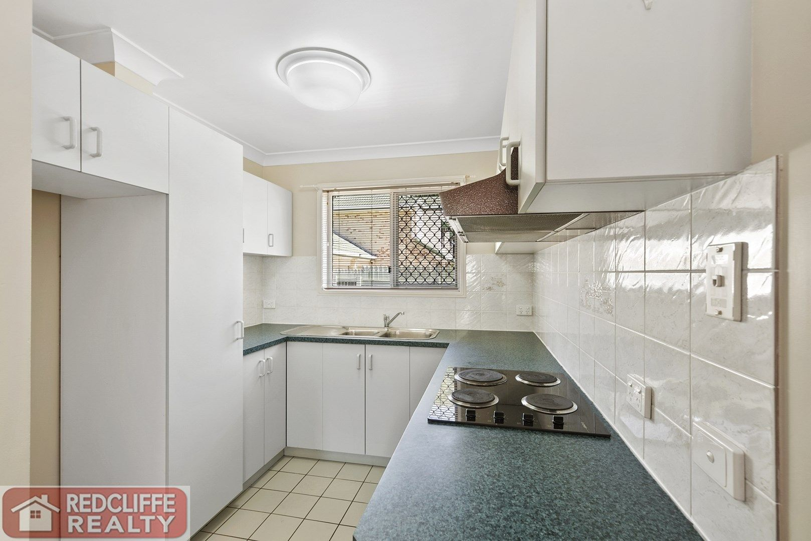 Unit 2 16 Grant Street, Redcliffe QLD 4020, Image 2