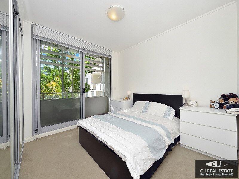 111/11 Lewis Avenue, Rhodes NSW 2138, Image 1