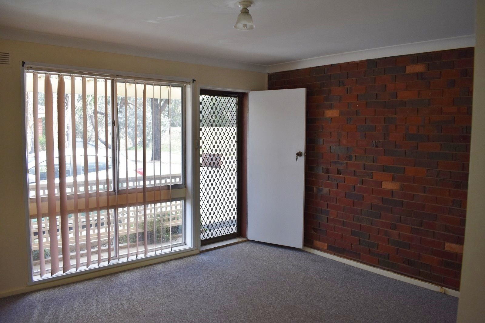 2/2-4 Reddoch Drive, Wagga Wagga NSW 2650, Image 2