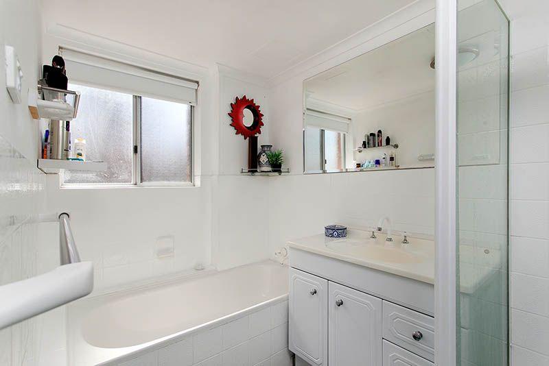 2/50A Thalassa Avenue, Corrimal East NSW 2518, Image 2