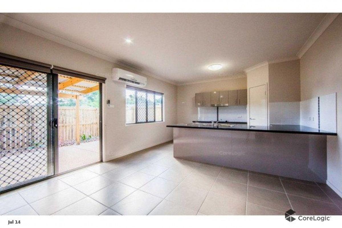 4/4 Charles Street, Berserker QLD 4701, Image 2