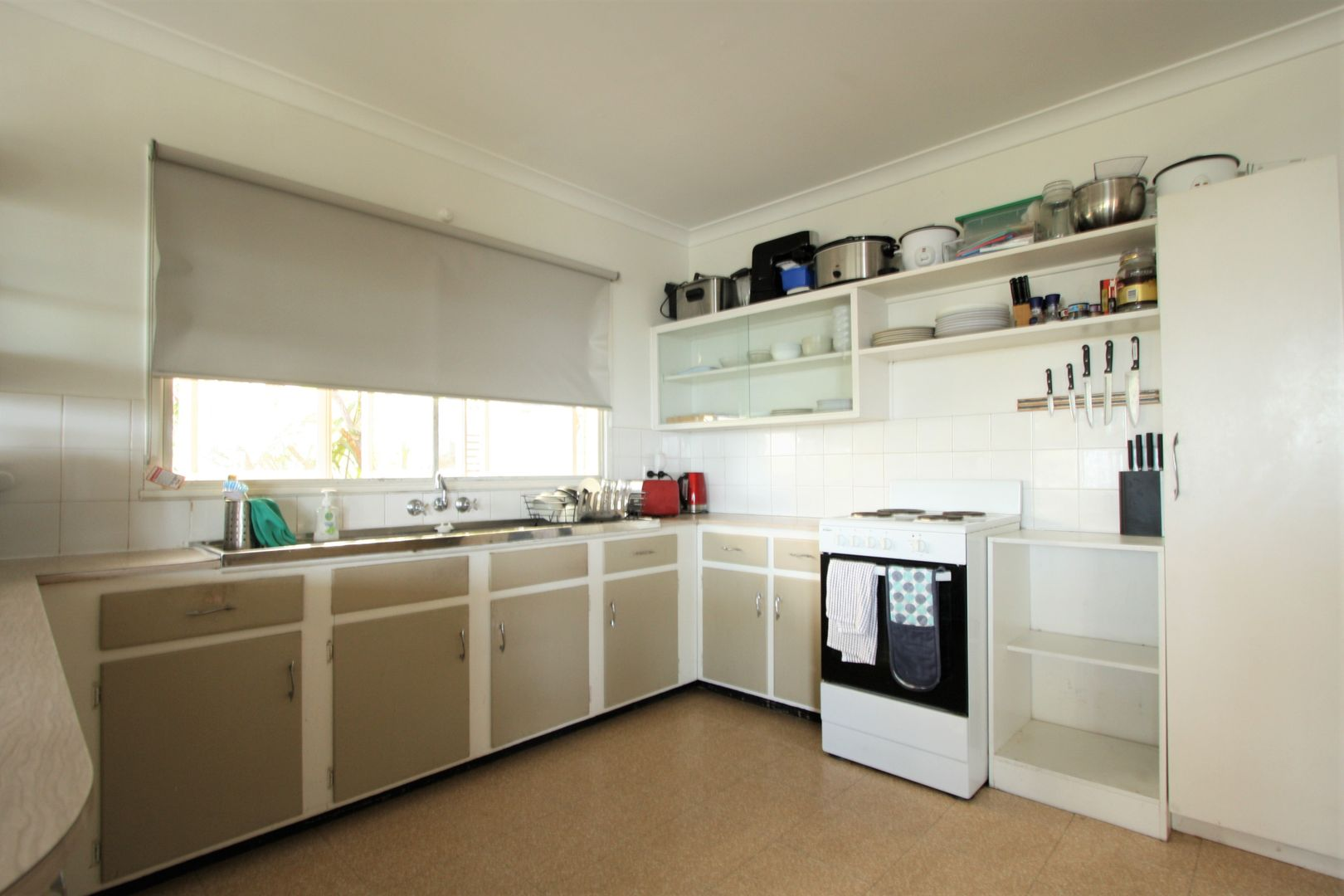 65 Kneale Street, Holland Park West QLD 4121, Image 1