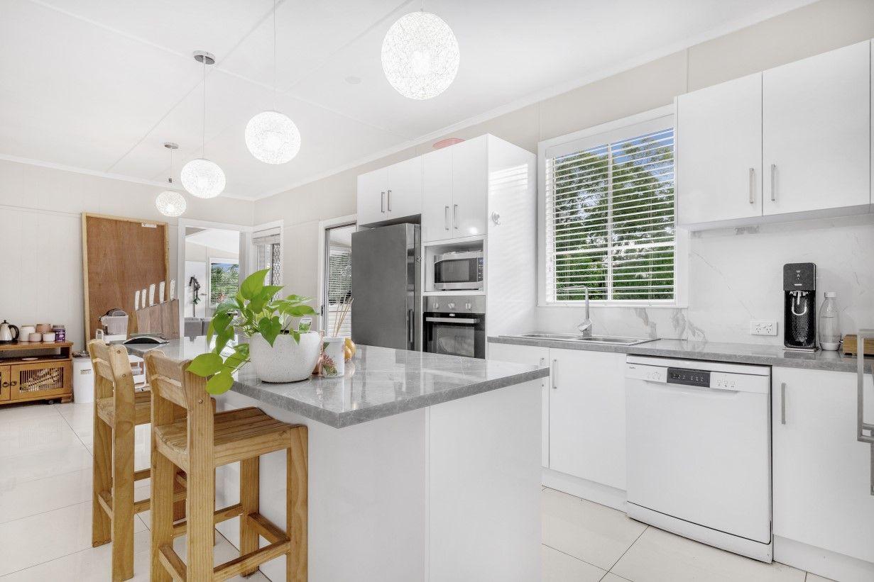 35 Jeffcott Street, Wavell Heights QLD 4012, Image 2