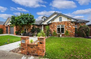 Picture of 8 Hawea Court, Taylors Lakes VIC 3038