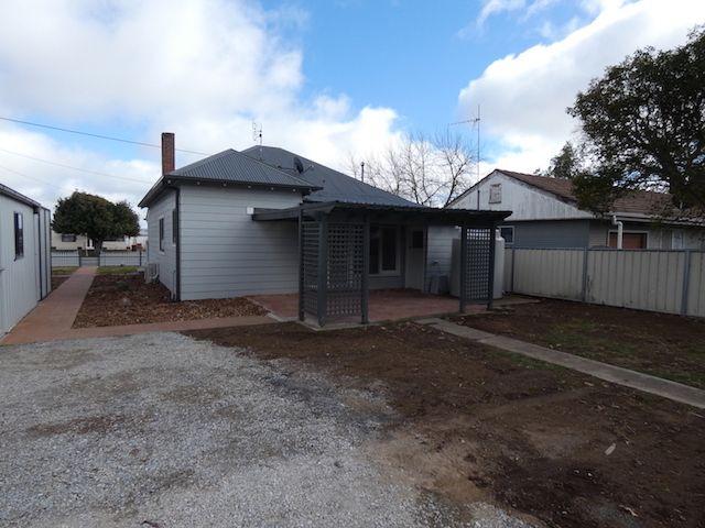 77  Marsden St, Boorowa NSW 2586, Image 2