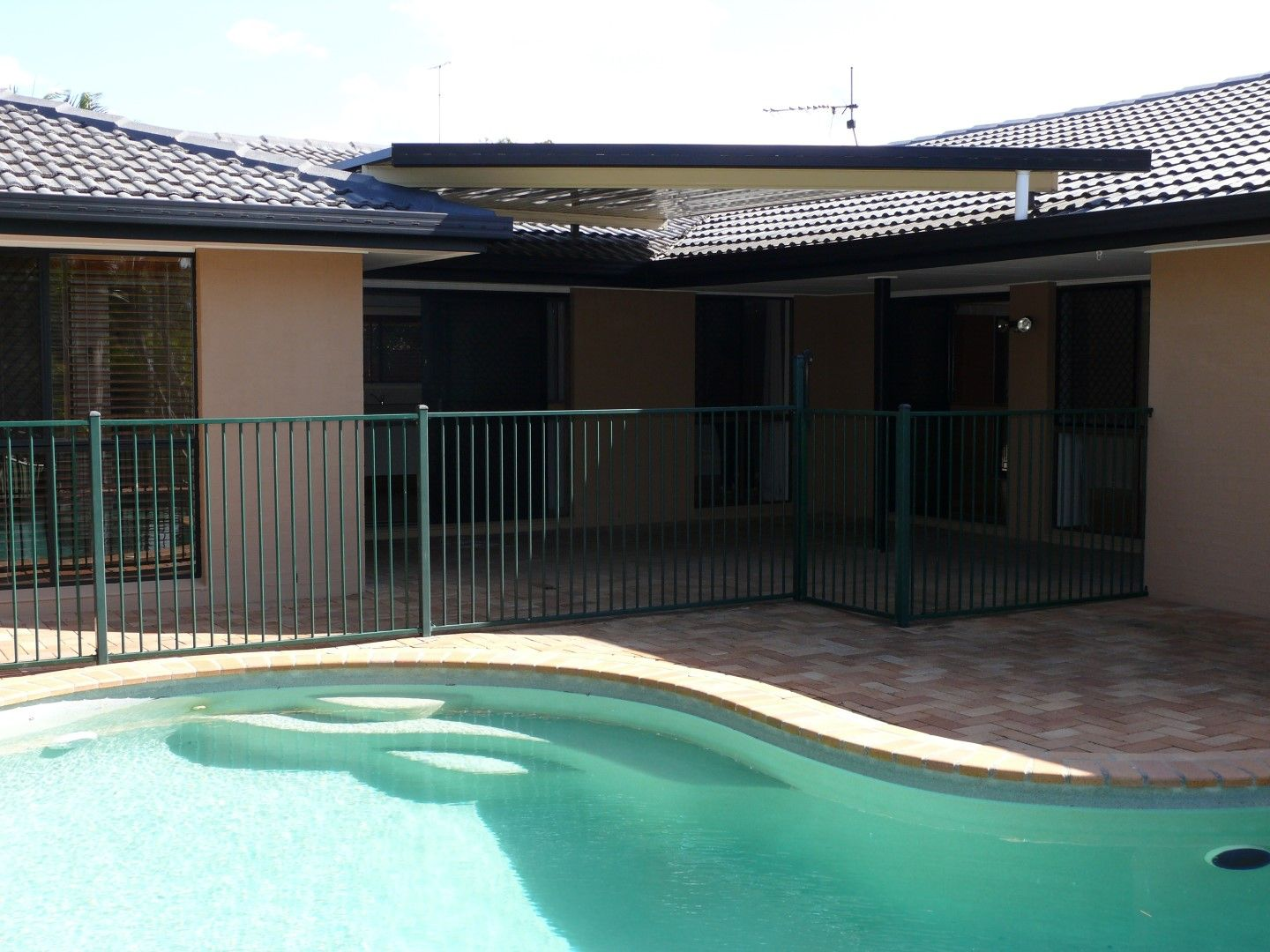 22 Bairnsdale Court, Helensvale QLD 4212, Image 0