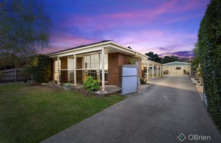 Picture of 6 Cantle Close, Pakenham VIC 3810