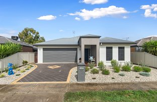 Picture of 22 McConnachie Crt, Ascot VIC 3551
