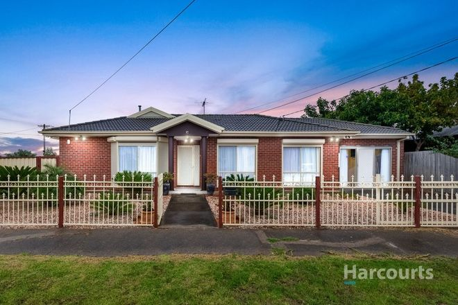 Picture of 17 Lahy Street, ST ALBANS VIC 3021