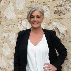 Lisa Sellick, Sales representative