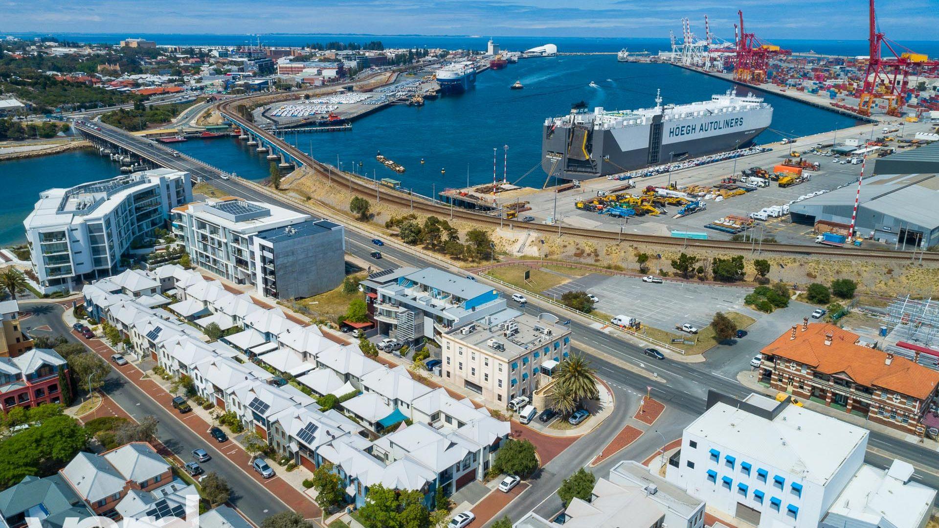 4 Swan Street, North Fremantle WA 6159, Image 1