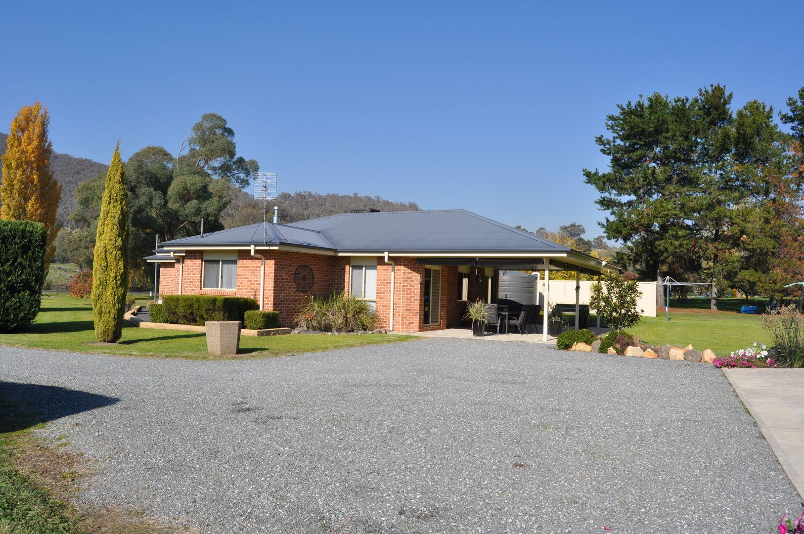 80 Selwyn Street, Adelong NSW 2729, Image 2
