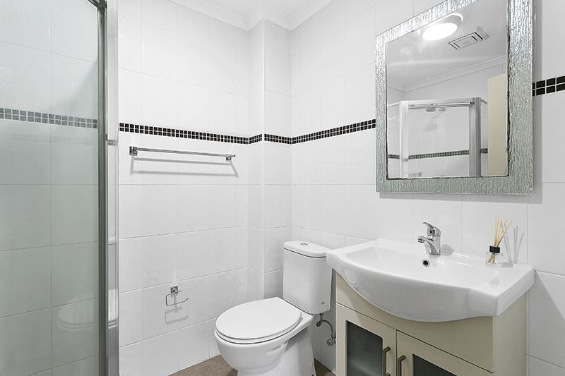2/65 Beamish Road, Northmead NSW 2152, Image 2