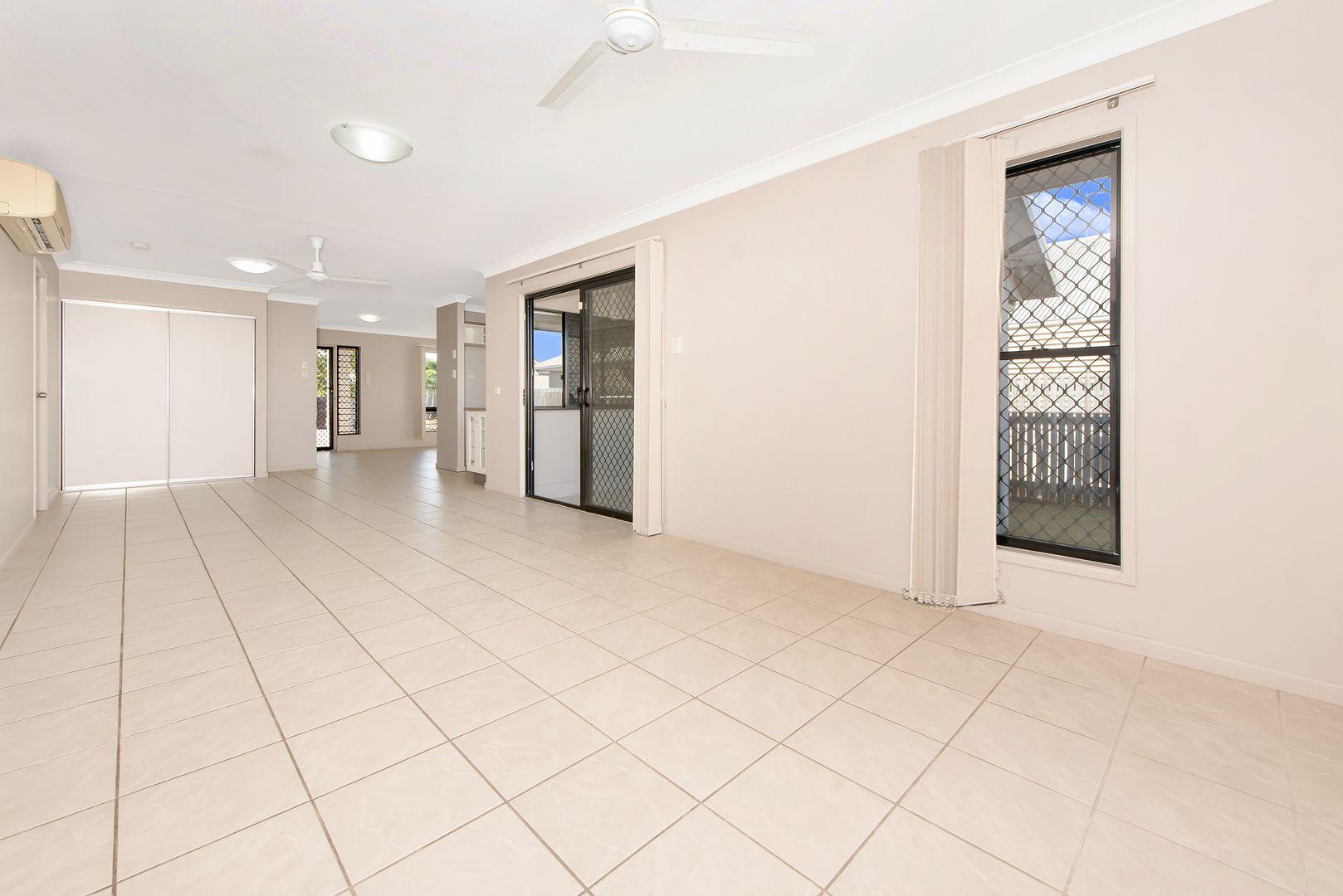 10 Beresford Court, Kirwan QLD 4817, Image 2