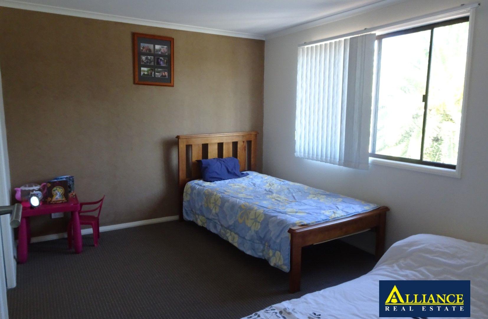 10 Zonnebeke Crescent, Milperra NSW 2214, Image 1
