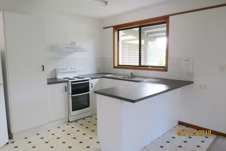 6A Coonawarra Court, Ocean Shores NSW 2483, Image 2