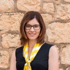 Amanda Larwood, Sales Associate