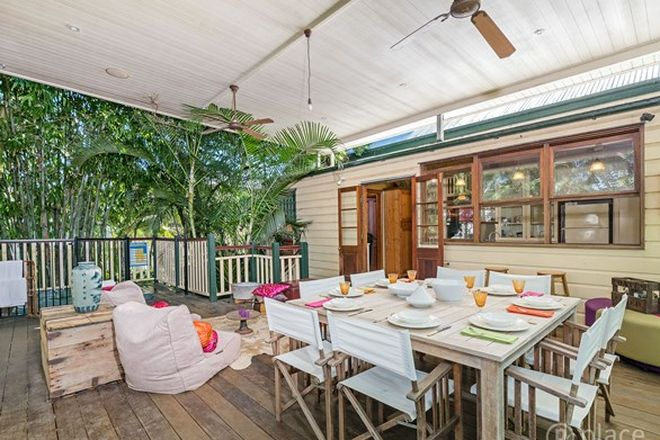 Picture of 54 Balmoral Street, HAWTHORNE QLD 4171
