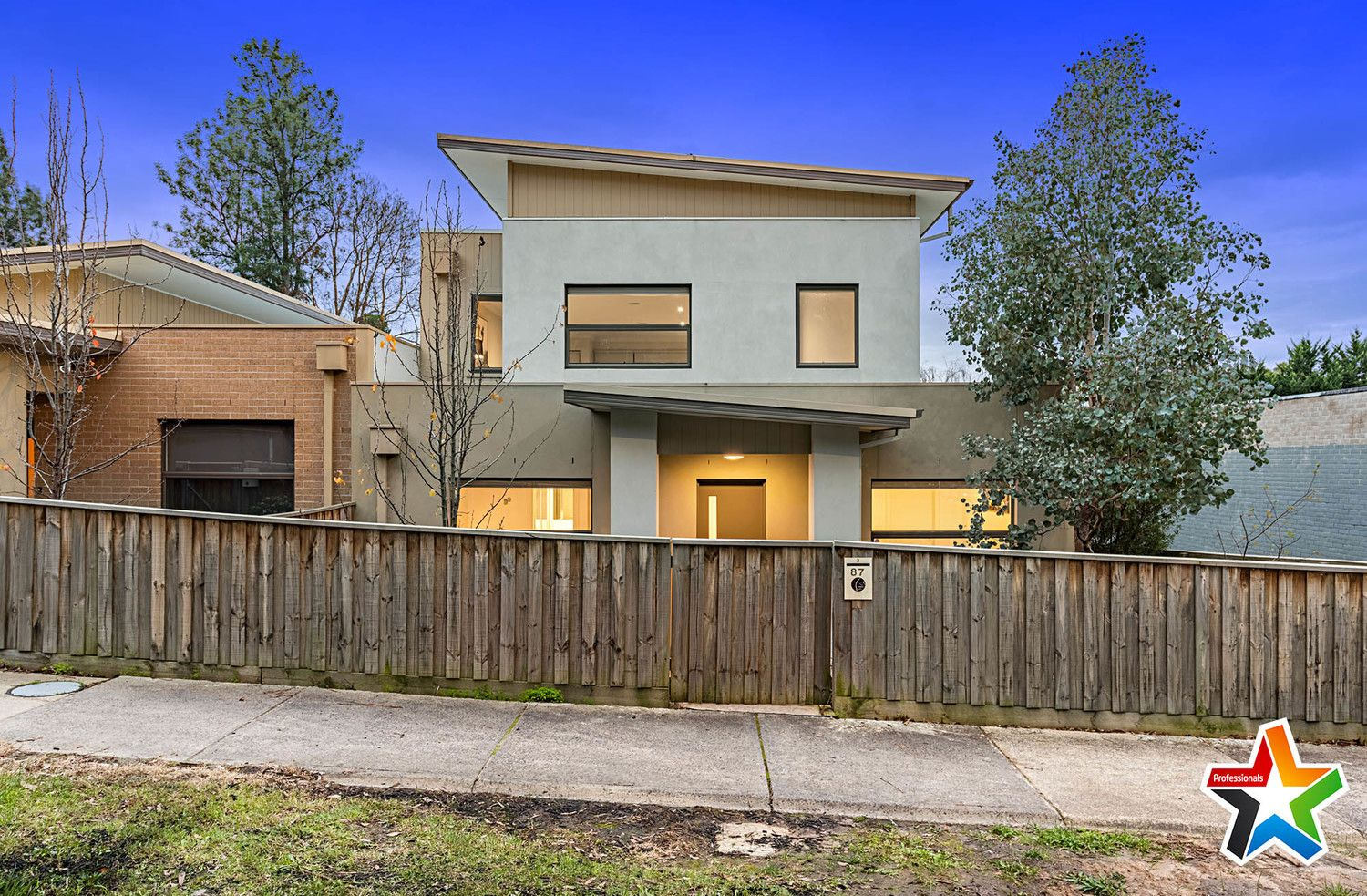 2/87 Lincoln Road, Croydon VIC 3136, Image 0