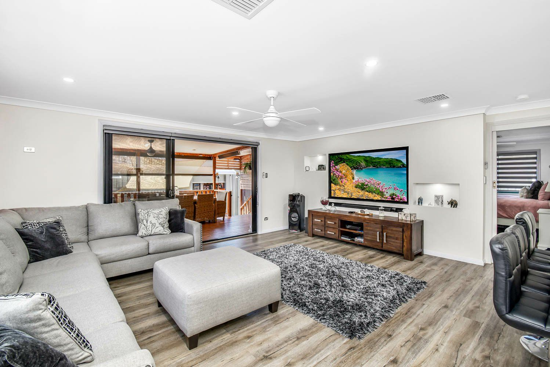 53 Marquesa Crescent, Lethbridge Park NSW 2770, Image 2