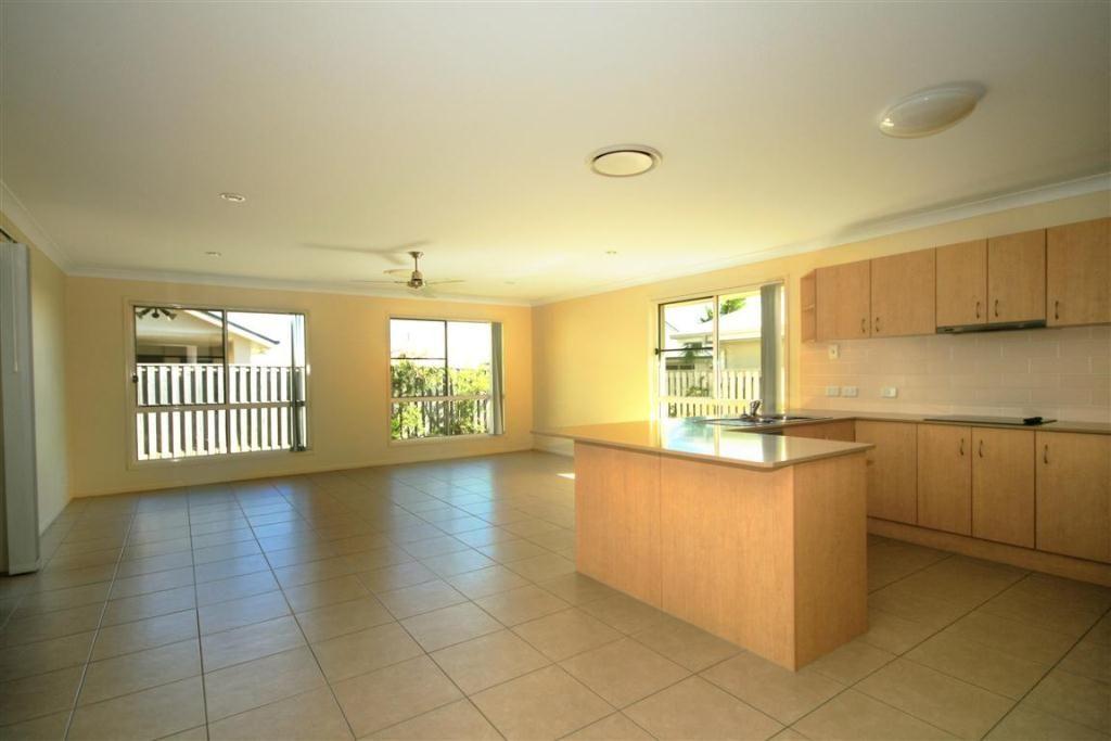6 Bilgola Place, Blacks Beach QLD 4740, Image 1