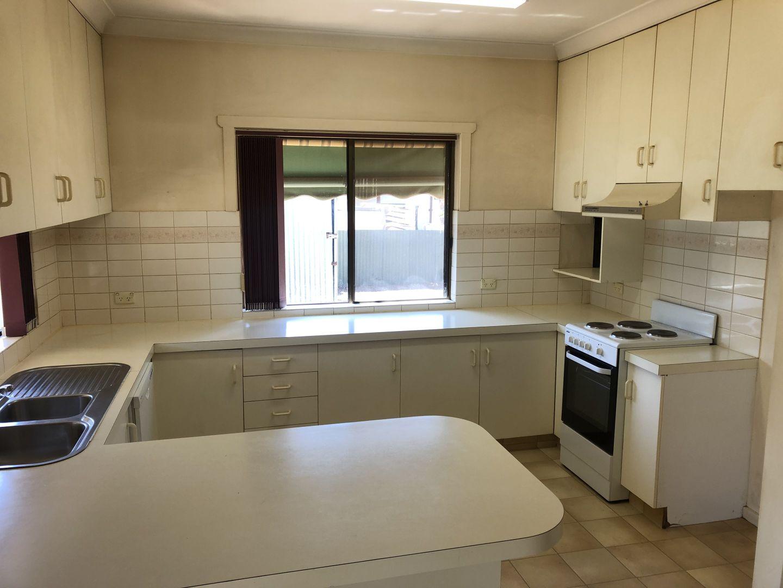 88 Deboos Street, Temora NSW 2666, Image 1