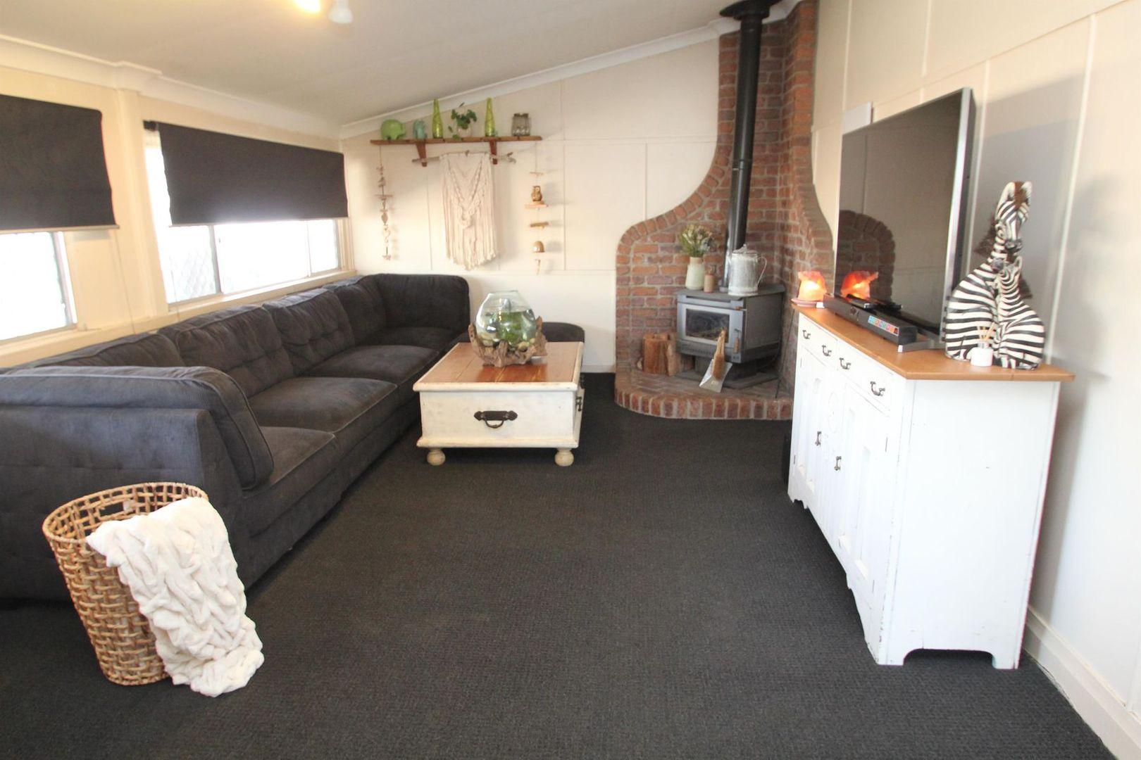 15 Molesworth Street, Tenterfield NSW 2372, Image 1