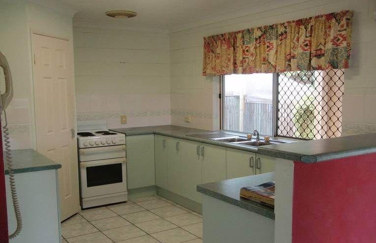 2/7 Tuffley Street, West End QLD 4810, Image 2