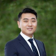 Sandy Shi, Director / Licensee