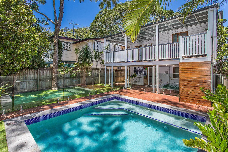 33 Ashford Street, Shorncliffe QLD 4017, Image 2
