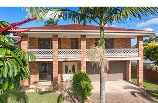 Picture of 3 Pendennis Place, Carindale QLD 4152