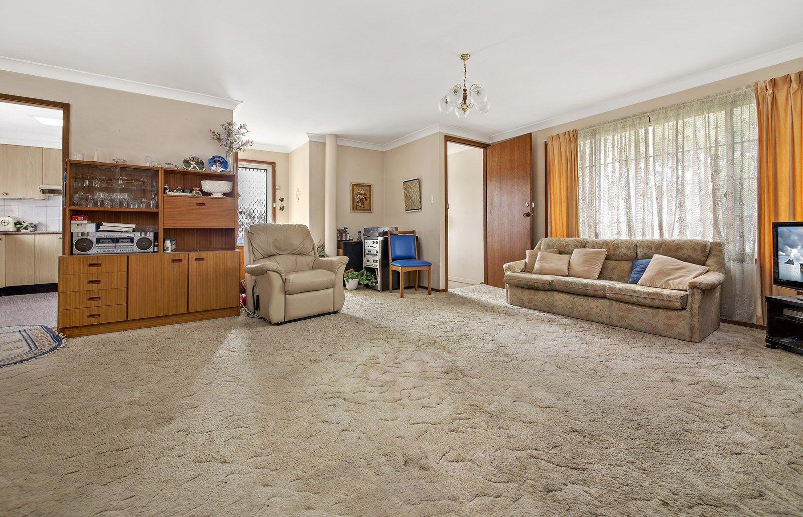 3 Deakin Place, Kirrawee NSW 2232, Image 2