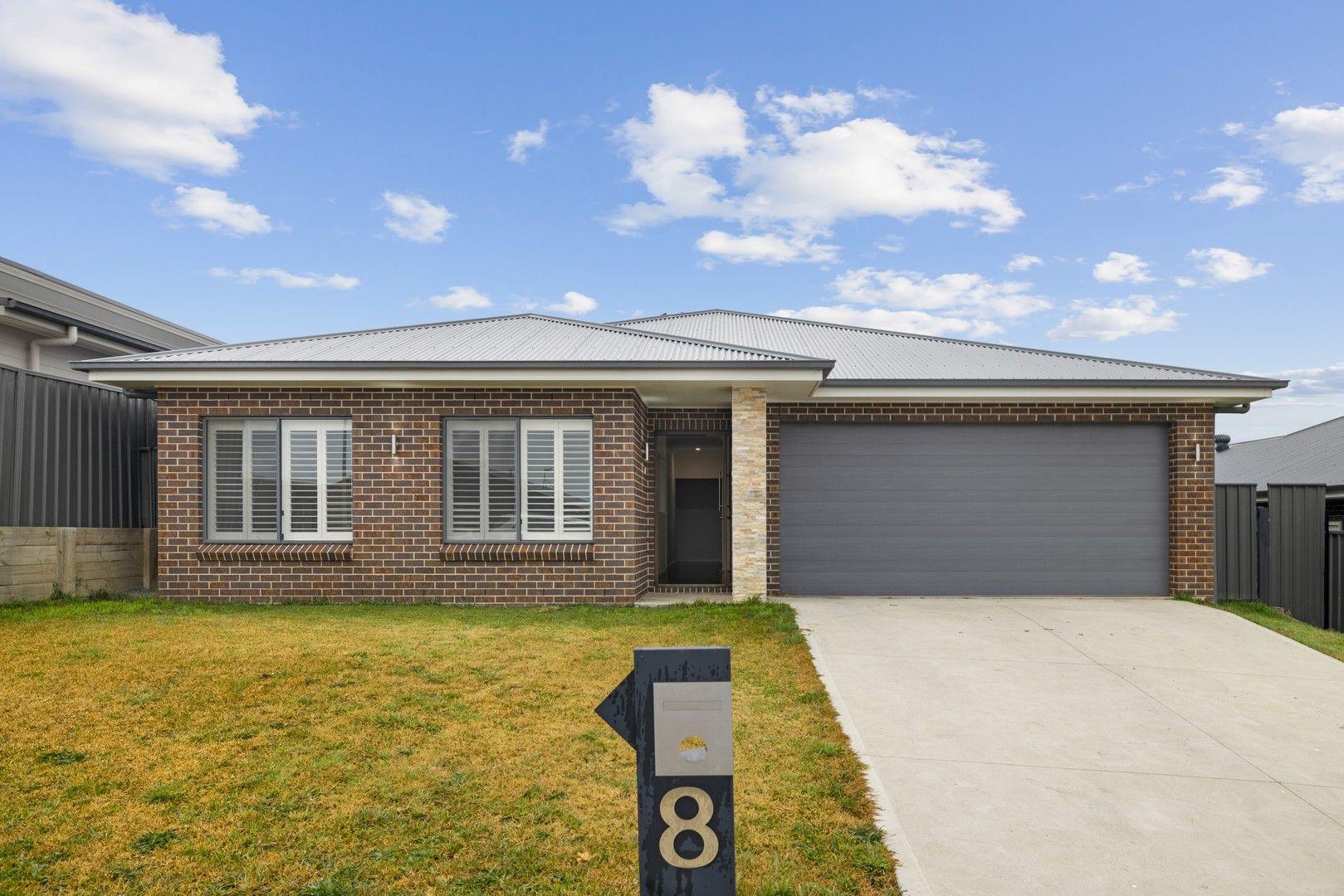 8 Bigwood Place, Goulburn NSW 2580, Image 0