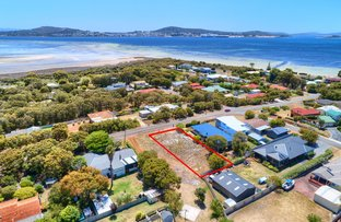 Picture of 132 Bay View Drive, Little Grove WA 6330